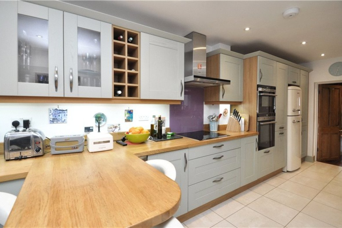 3 Bedroom House Sold Subject To Contract in Cannon Street, St. Albans, Hertfordshire - View 5 - Collinson Hall