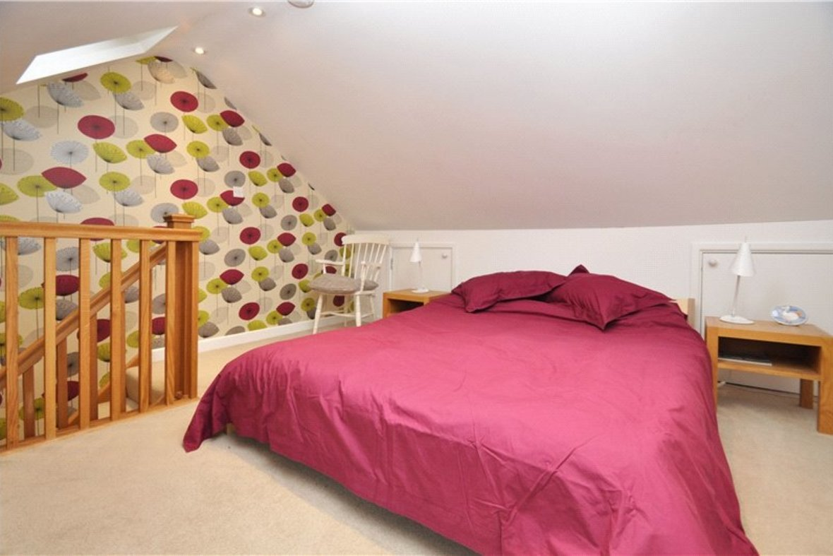 3 Bedroom House Sold Subject To Contract in Cannon Street, St. Albans, Hertfordshire - View 14 - Collinson Hall