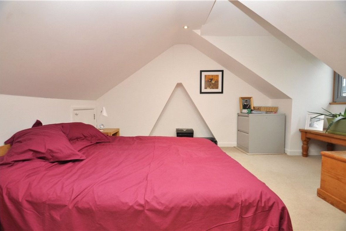 3 Bedroom House Sold Subject To Contract in Cannon Street, St. Albans, Hertfordshire - View 15 - Collinson Hall