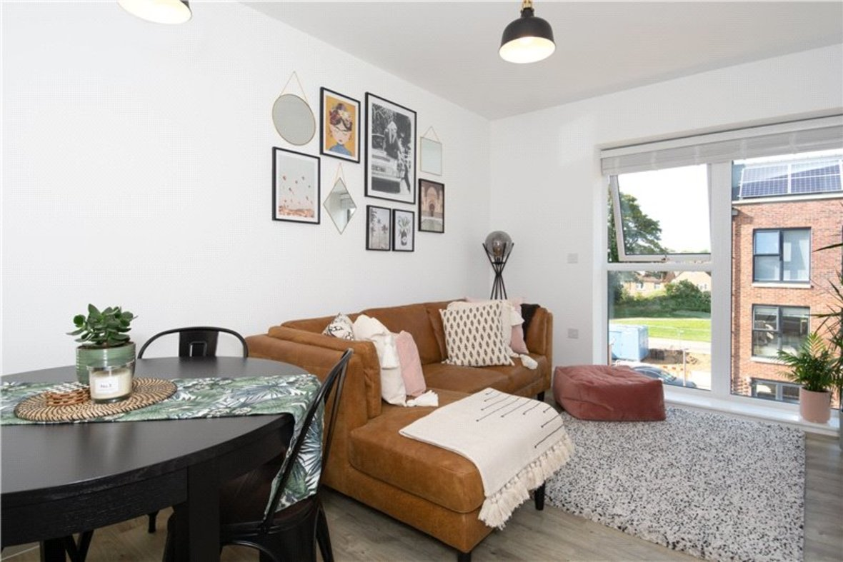 1 Bedroom Apartment For Sale in Hansell Gardens, Hedley Road - View 5 - Collinson Hall