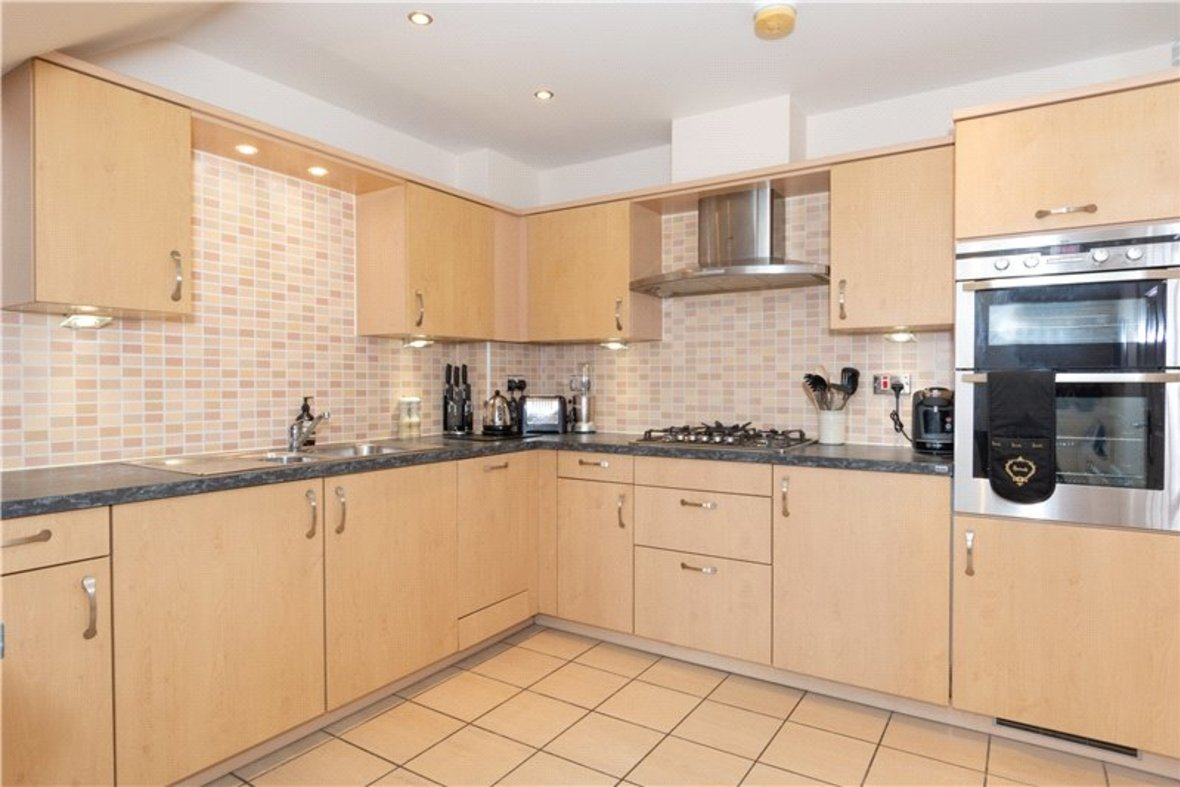 2 Bedrooms Apartment New Instruction in Aventine Court, 101 Holywell Hill - View 2 - Collinson Hall
