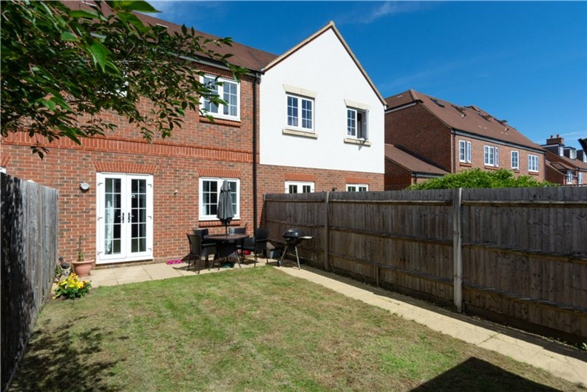 2 Bedrooms House New Instruction in Mortimer Crescent, Kings Park, St. Albans, Hertfordshire - View 17 - Collinson Hall