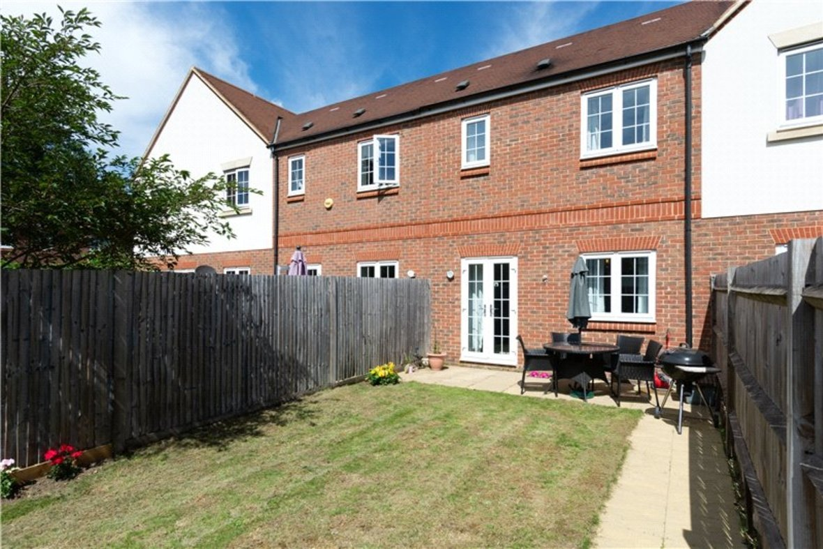 2 Bedrooms House New Instruction in Mortimer Crescent, Kings Park, St. Albans, Hertfordshire - View 16 - Collinson Hall