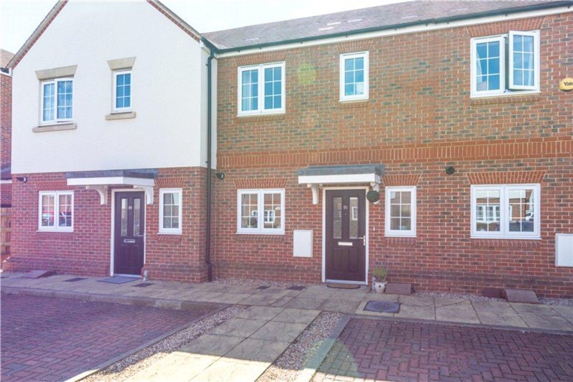 2 Bedrooms House New Instruction in Mortimer Crescent, Kings Park, St. Albans, Hertfordshire - View 1 - Collinson Hall