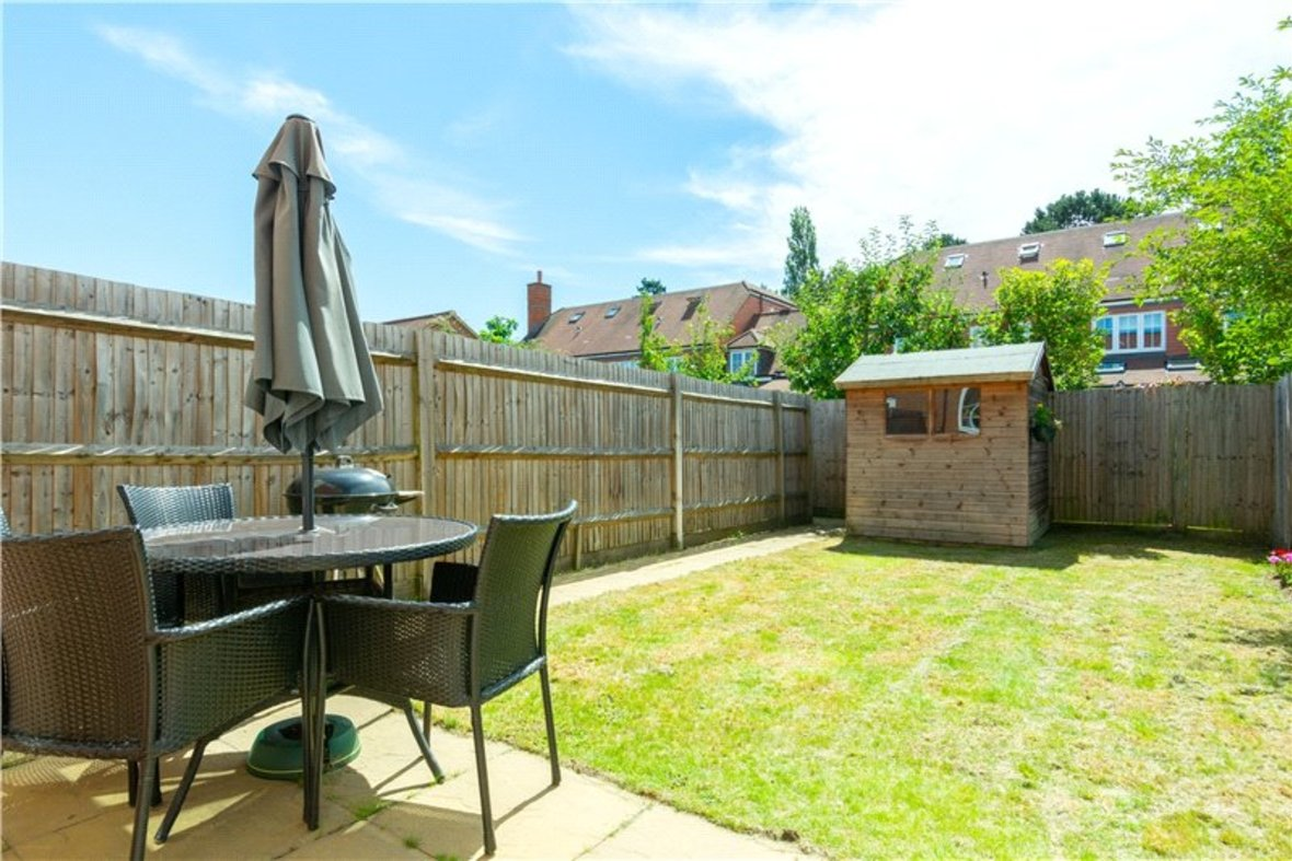 2 Bedrooms House New Instruction in Mortimer Crescent, Kings Park, St. Albans, Hertfordshire - View 4 - Collinson Hall