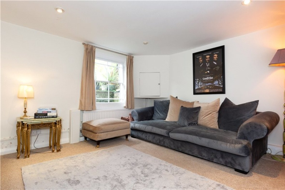 2 Bedroom House For Sale in Albert Street, St. Albans, Hertfordshire - View 3 - Collinson Hall