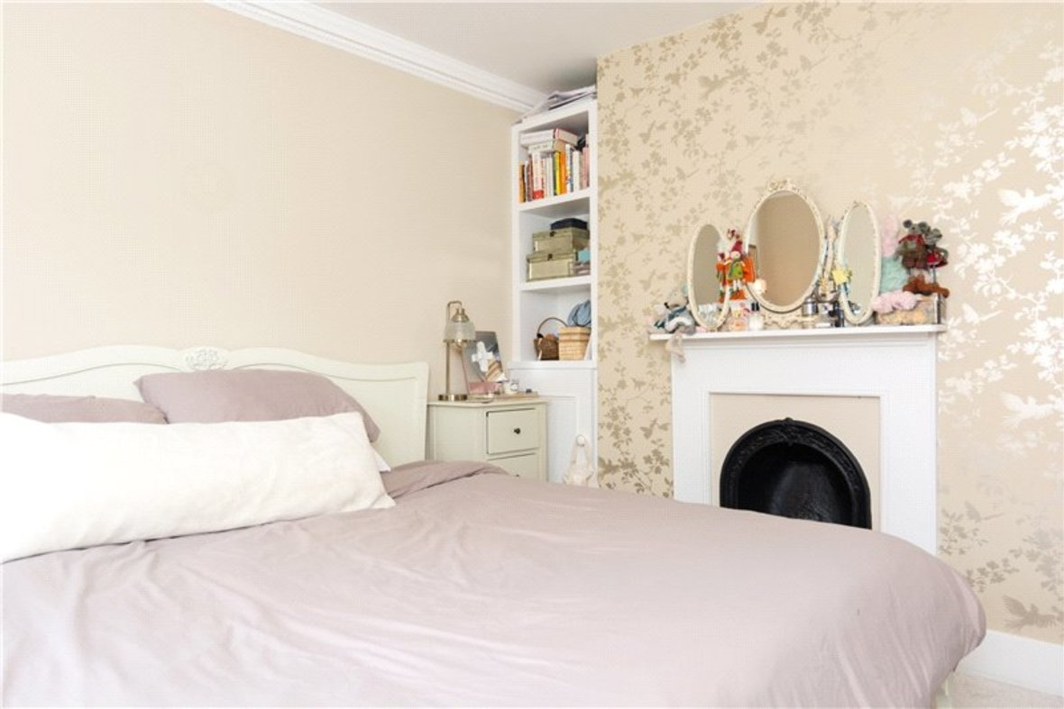 2 Bedroom House For Sale in Albert Street, St. Albans, Hertfordshire - View 4 - Collinson Hall