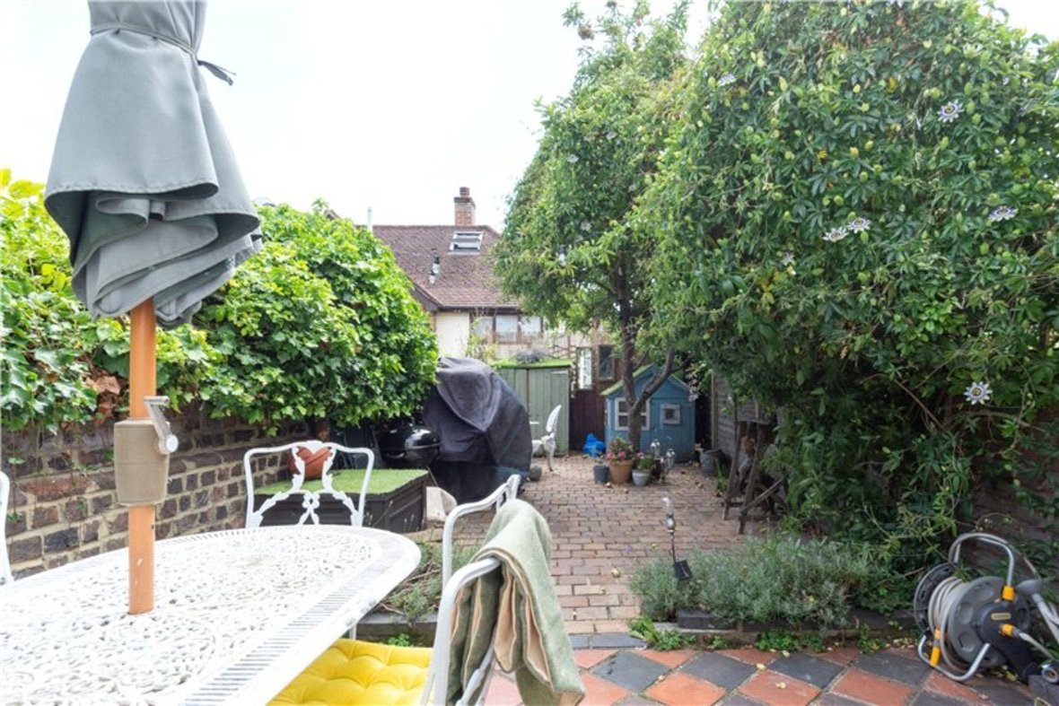 2 Bedroom House For Sale in Albert Street, St. Albans, Hertfordshire - View 5 - Collinson Hall