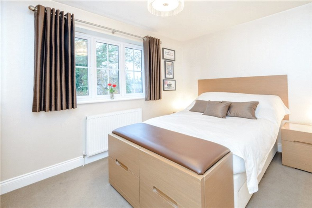 5 Bedroom House Sold Subject To Contract in Old Harpenden Road, St. Albans, Hertfordshire - View 7 - Collinson Hall