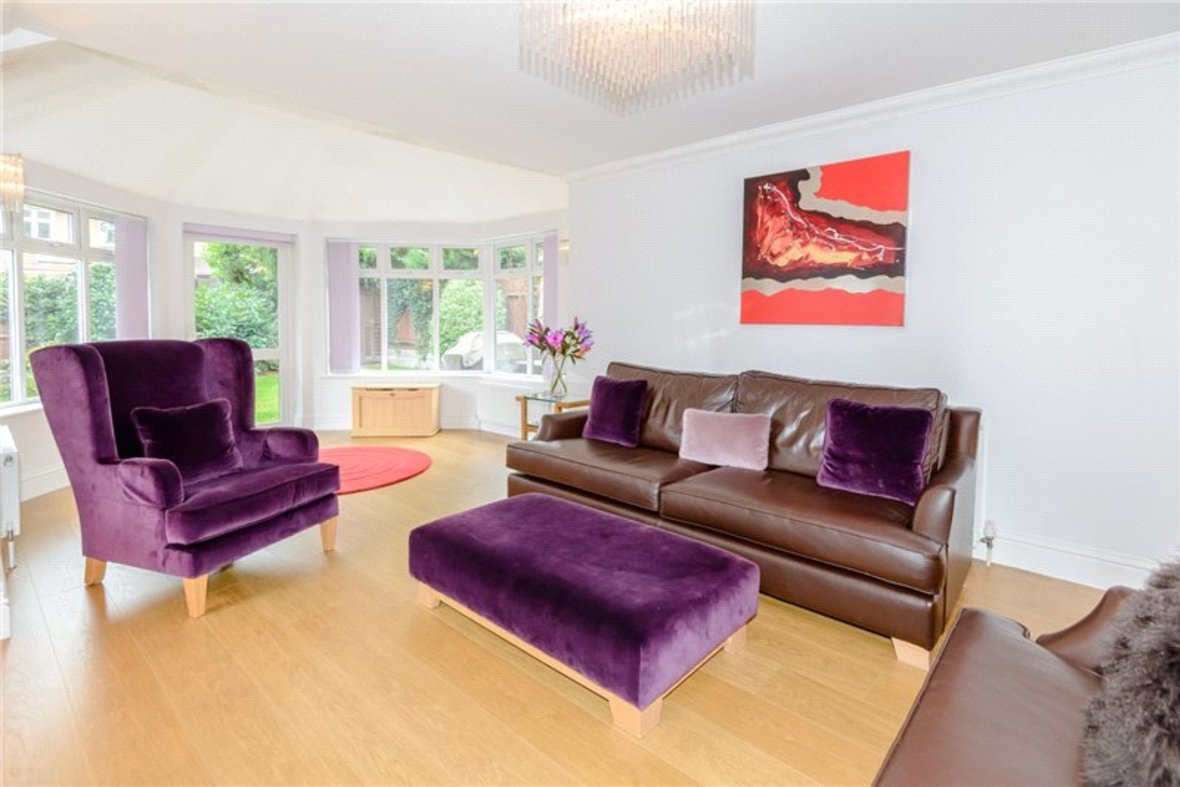 5 Bedroom House Sold Subject To Contract in Old Harpenden Road, St. Albans, Hertfordshire - View 3 - Collinson Hall