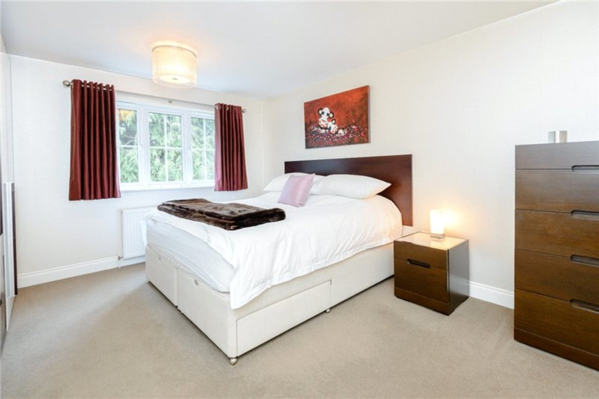 5 Bedroom House Sold Subject To Contract in Old Harpenden Road, St. Albans, Hertfordshire - View 6 - Collinson Hall