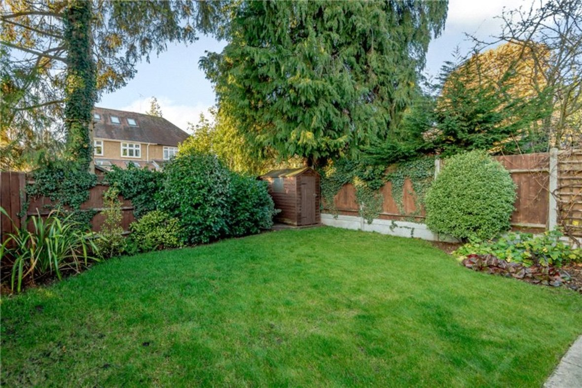 5 Bedroom House Sold Subject To Contract in Old Harpenden Road, St. Albans, Hertfordshire - View 13 - Collinson Hall