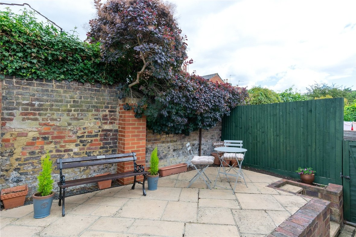 2 Bedroom House Sold Subject To Contract in Bedford Road, St. Albans, Hertfordshire - View 15 - Collinson Hall