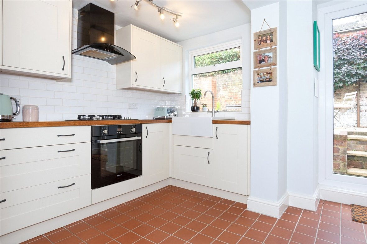 2 Bedroom House Sold Subject To Contract in Bedford Road, St. Albans, Hertfordshire - View 5 - Collinson Hall