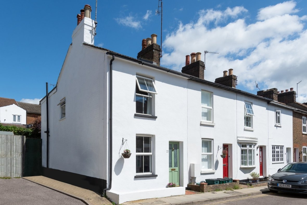 2 Bedroom House Sold Subject To Contract in Bedford Road, St. Albans, Hertfordshire - View 1 - Collinson Hall