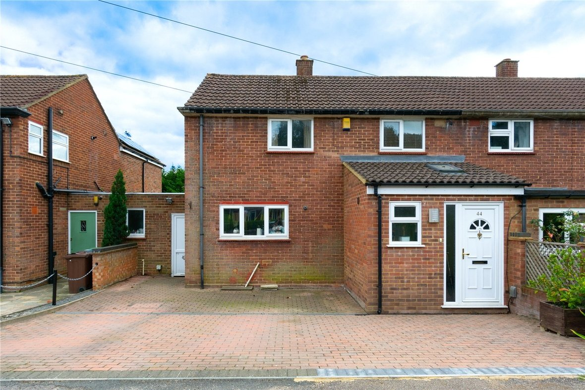3 Bedroom House Sold Subject To Contract in Birchwood Way, Park Street, St. Albans - View 19 - Collinson Hall