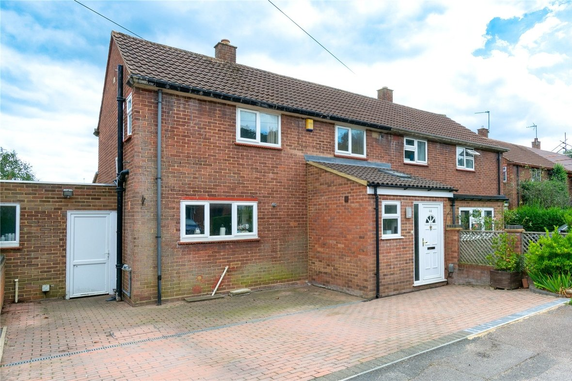 3 Bedroom House Sold Subject To Contract in Birchwood Way, Park Street, St. Albans - View 20 - Collinson Hall