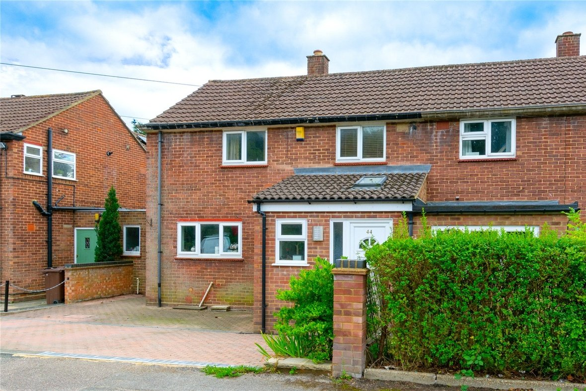 3 Bedroom House Sold Subject To Contract in Birchwood Way, Park Street, St. Albans - View 11 - Collinson Hall