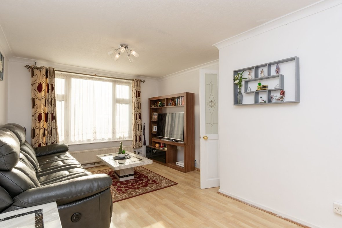 2 Bedroom House For Sale in Cell Barnes Lane, St Albans - View 12 - Collinson Hall