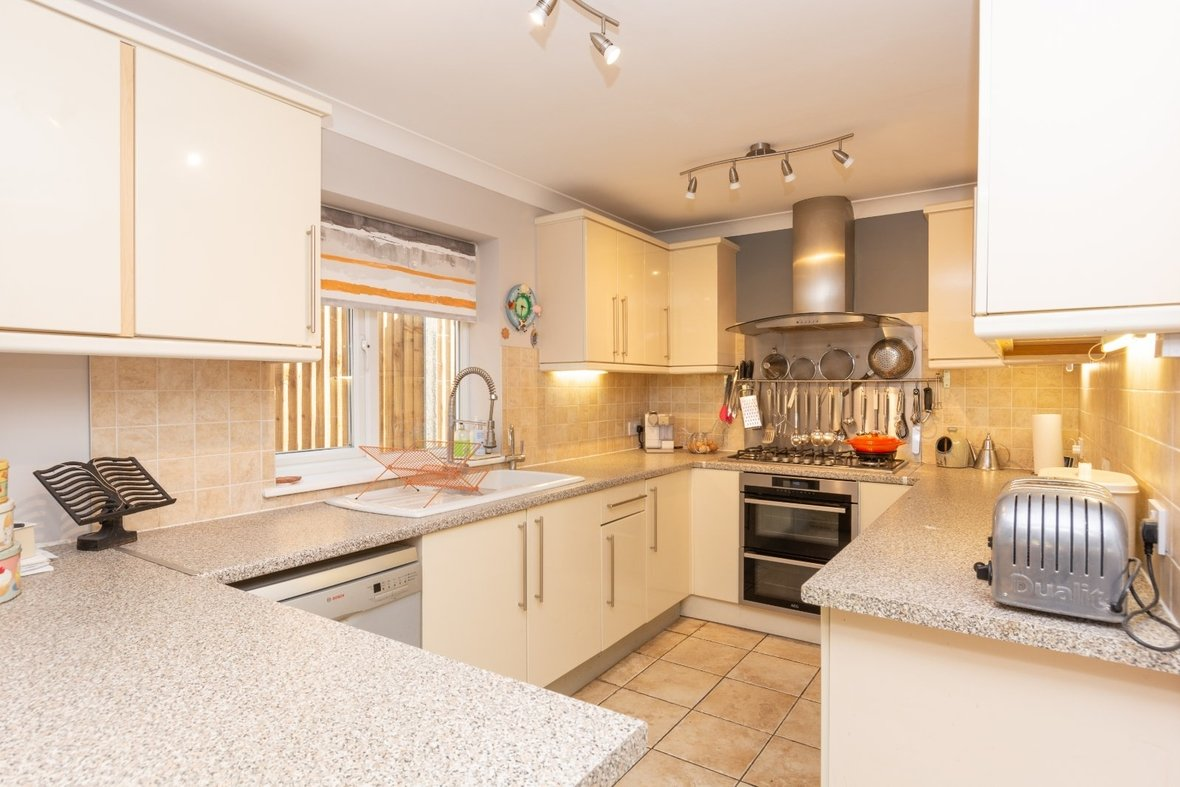 5 Bedroom House For Sale in Marford Road, Wheathampstead, St. Albans - View 18 - Collinson Hall