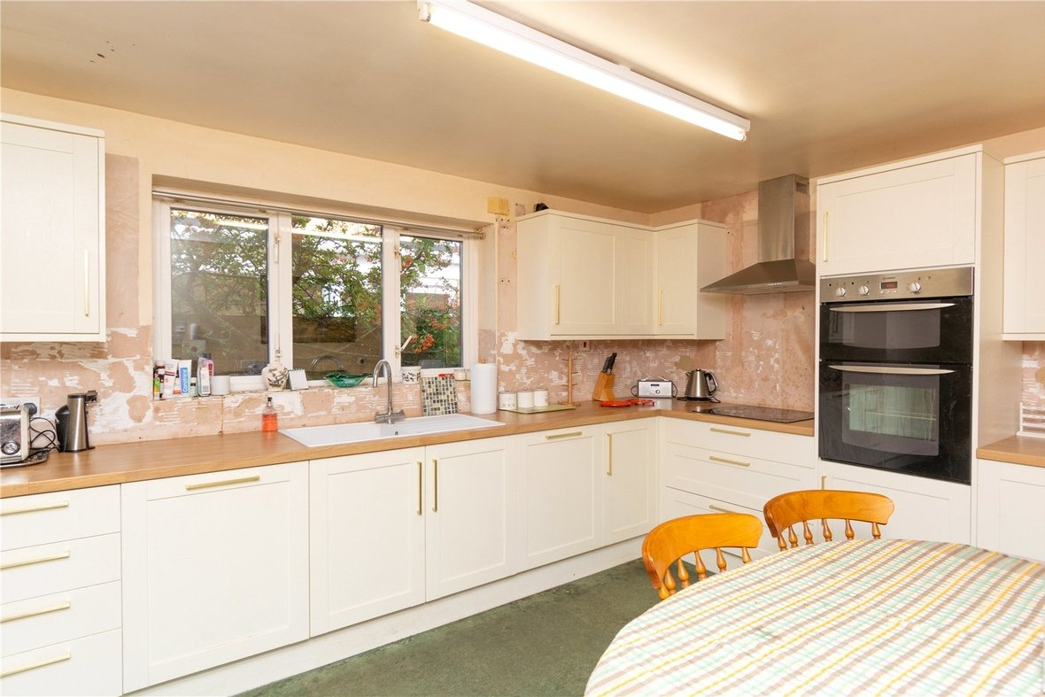 4 Bedroom House For Sale in Dubrae Close, St. Albans - View 16 - Collinson Hall