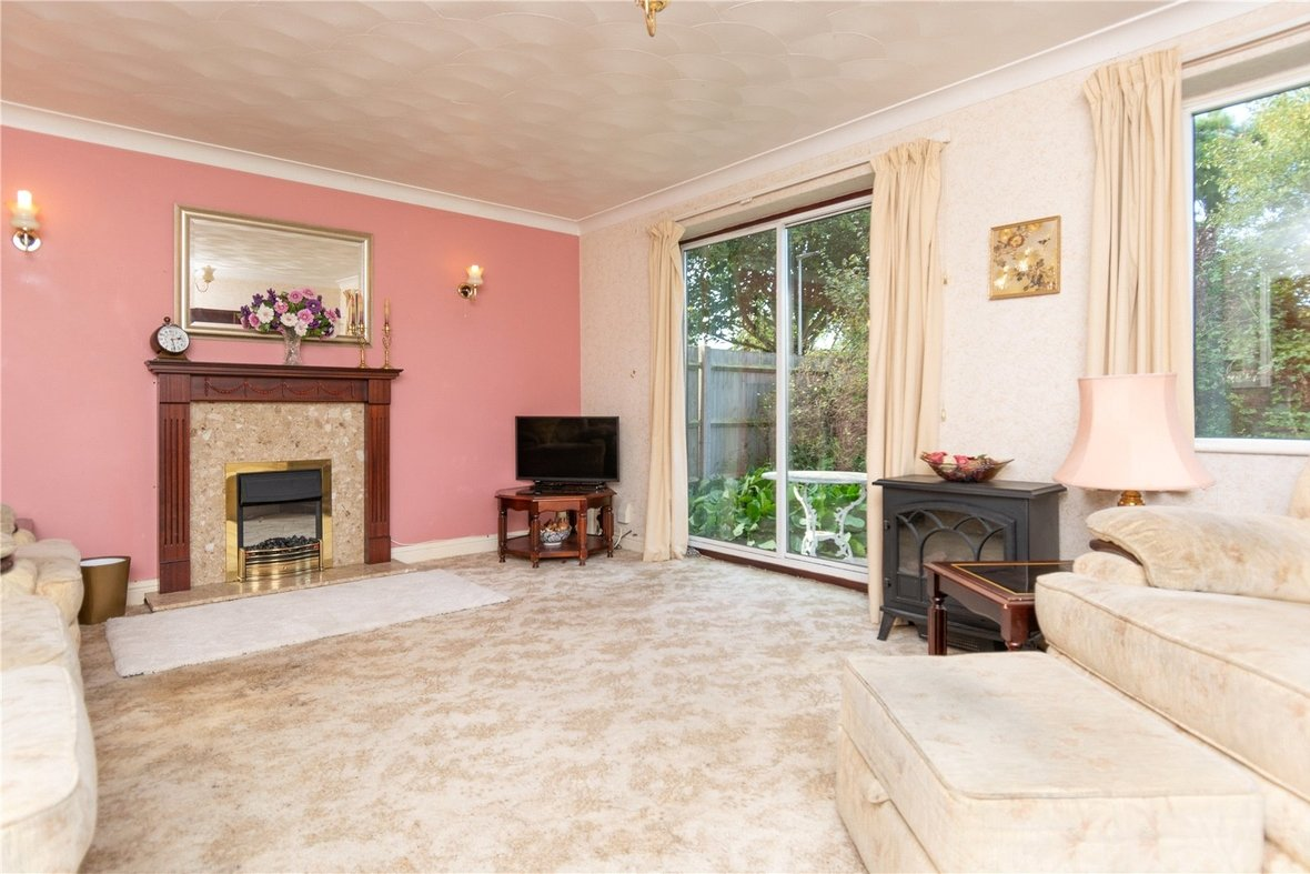 4 Bedroom House For Sale in Dubrae Close, St. Albans - View 3 - Collinson Hall