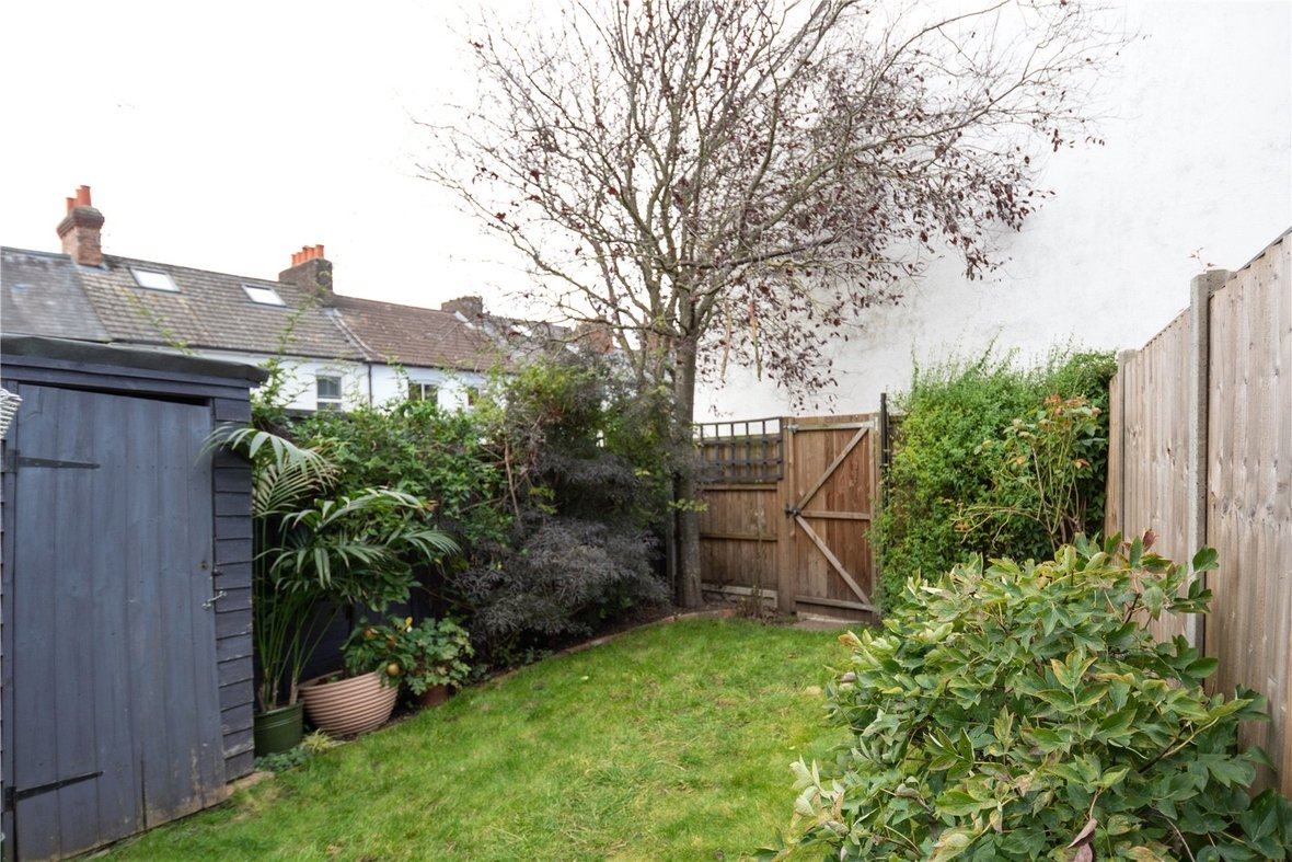 3 Bedroom House Sold Subject To Contract in Folly Lane, St Albans - View 9 - Collinson Hall