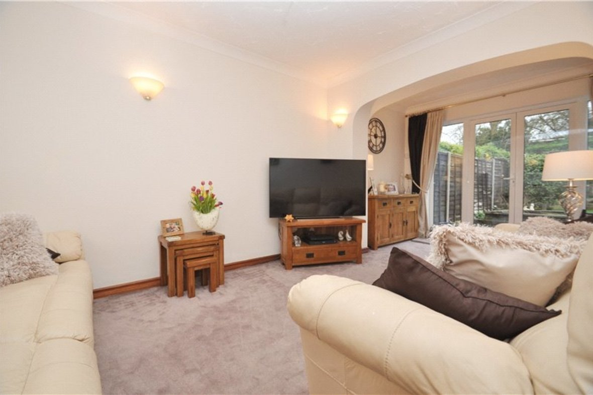 3 Bedrooms Bungalow Sold Subject To Contract in Wildwood Avenue, Bricket Wood, St. Albans, Hertfordshire - View 6 - Collinson Hall