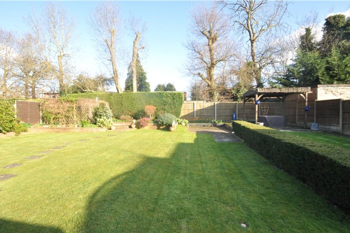 3 Bedrooms Bungalow Sold Subject To Contract in Wildwood Avenue, Bricket Wood, St. Albans, Hertfordshire - View 13 - Collinson Hall