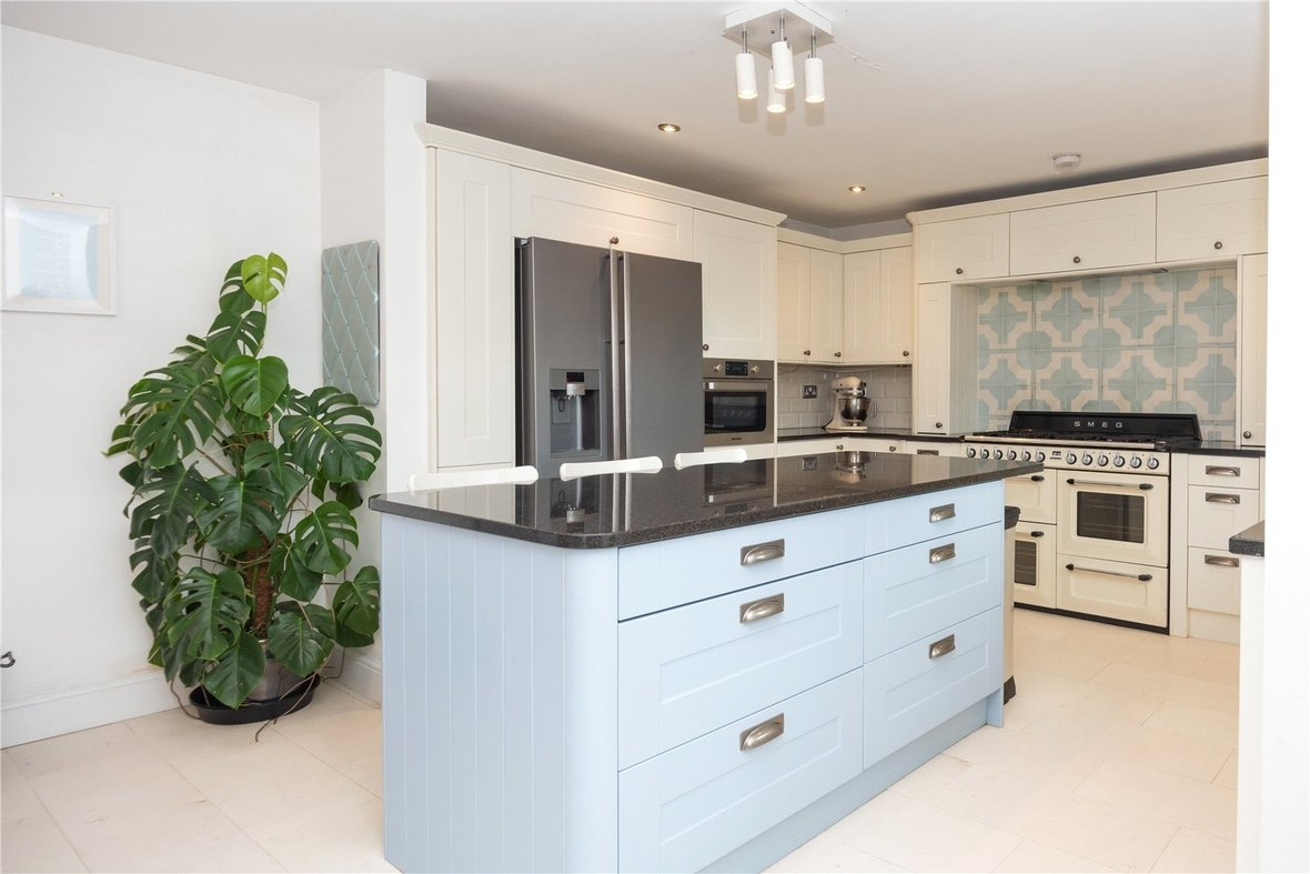 4 Bedroom Bungalow For Sale in Watford Road, St. Albans - View 4 - Collinson Hall