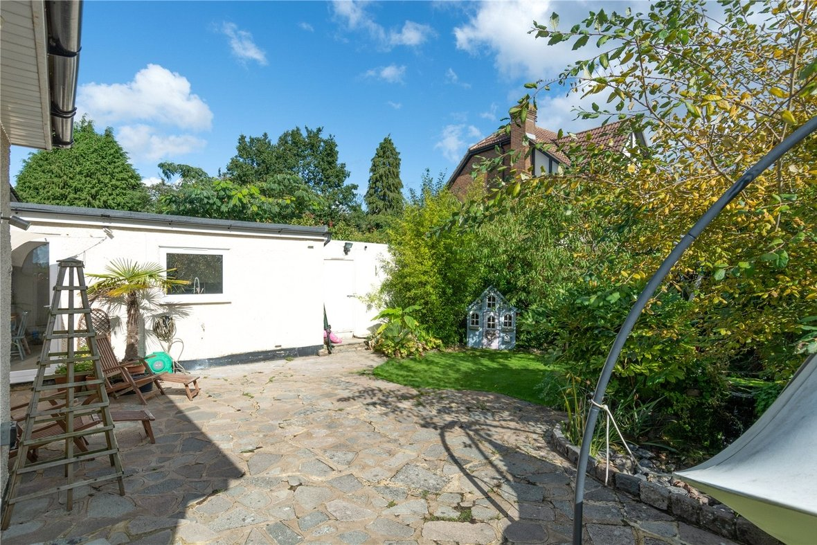 4 Bedroom Bungalow For Sale in Watford Road, St. Albans - View 23 - Collinson Hall