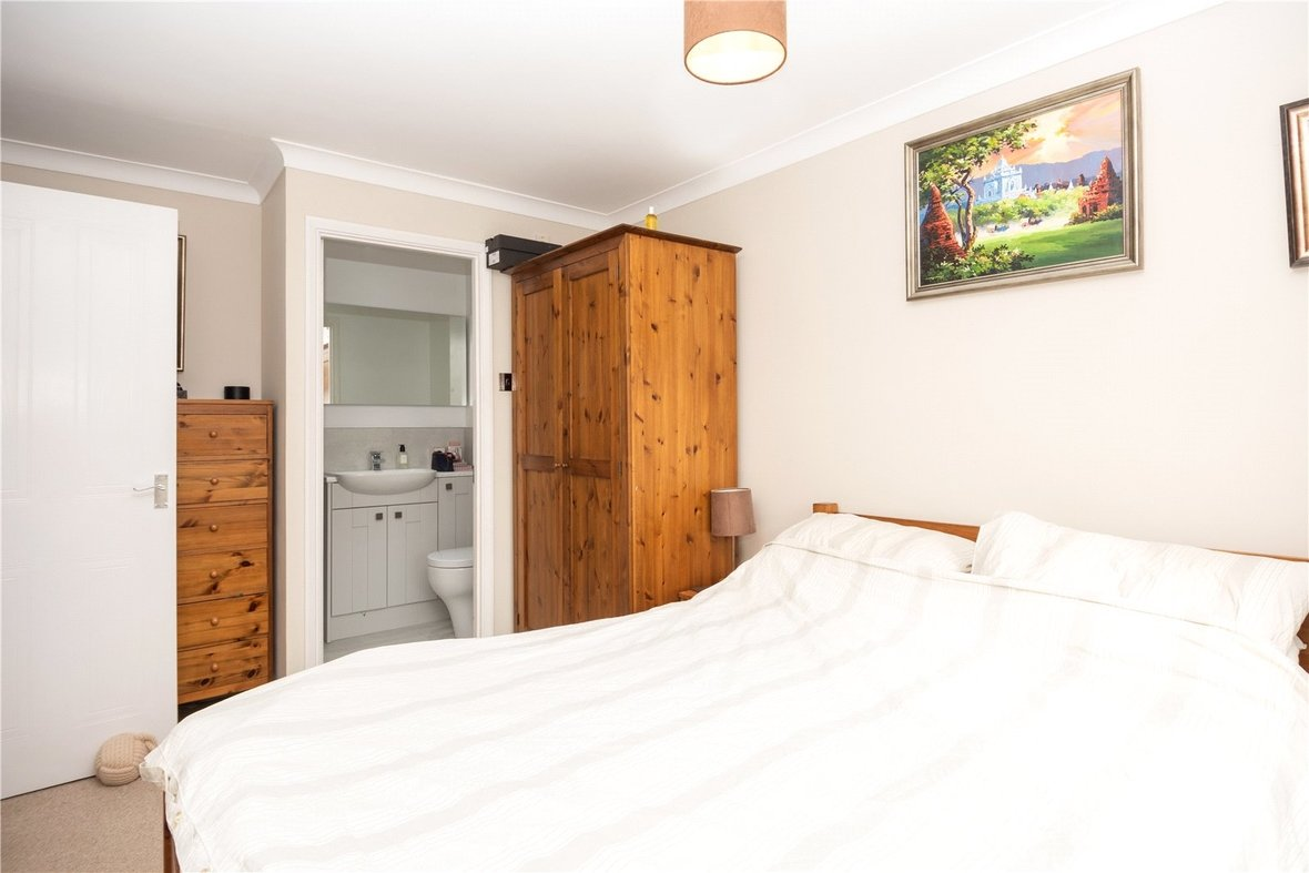 3 Bedroom House For Sale in Bell View, St. Albans, Hertfordshire - View 10 - Collinson Hall
