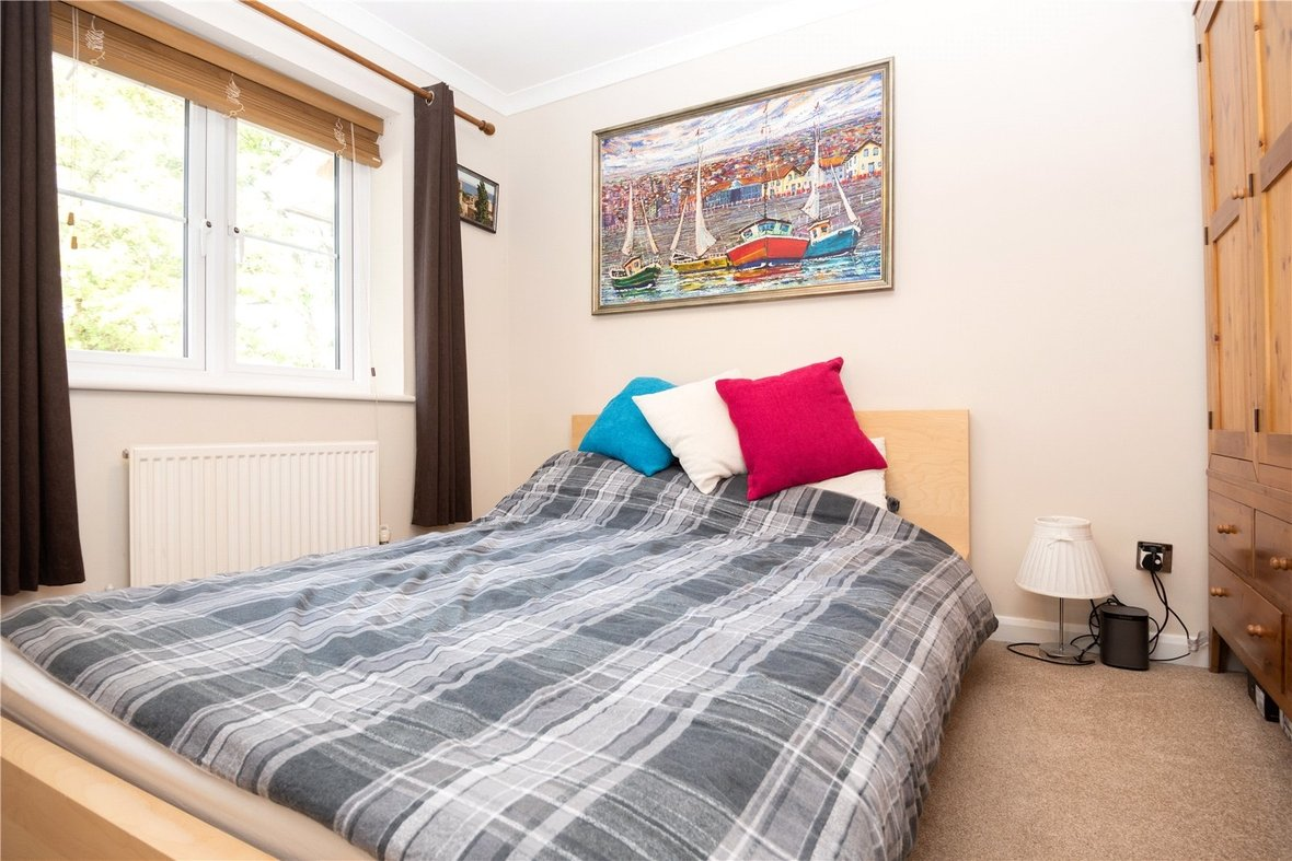 3 Bedroom House For Sale in Bell View, St. Albans, Hertfordshire - View 7 - Collinson Hall