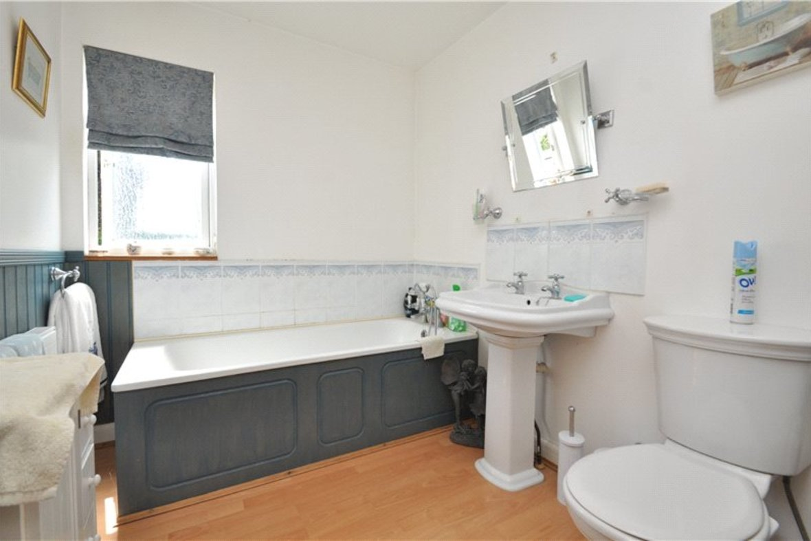 3 Bedroom Bungalow For Sale in West Avenue, St. Albans, Hertfordshire - View 11 - Collinson Hall