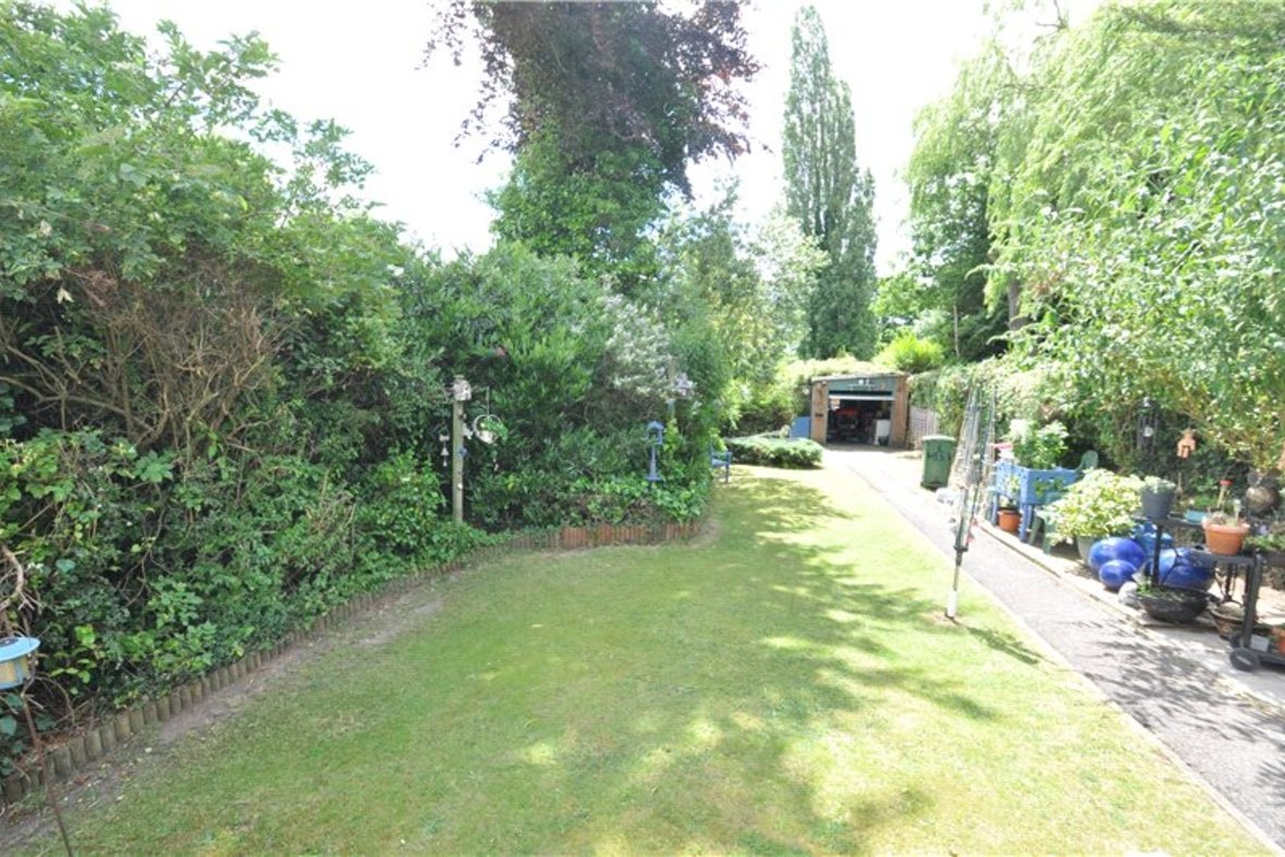 3 Bedroom Bungalow For Sale in West Avenue, St. Albans, Hertfordshire - View 13 - Collinson Hall