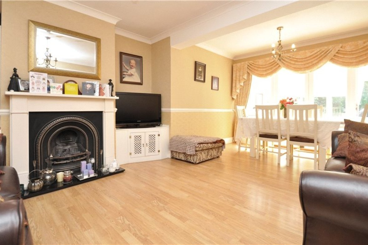 3 Bedroom Bungalow For Sale in West Avenue, St. Albans, Hertfordshire - View 4 - Collinson Hall