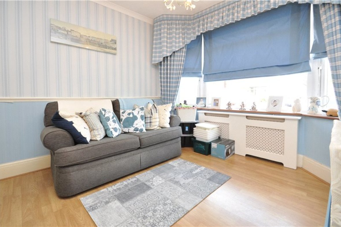 3 Bedroom Bungalow For Sale in West Avenue, St. Albans, Hertfordshire - View 6 - Collinson Hall