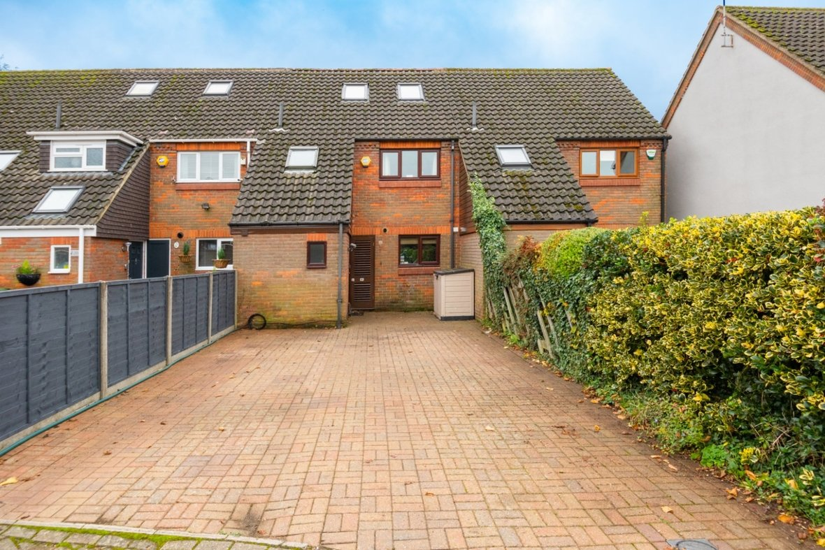 4 Bedroom House For Sale in Blueberry Close, St. Albans, Hertfordshire - View 24 - Collinson Hall