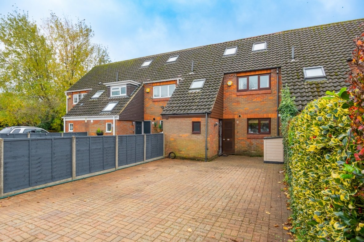 4 Bedroom House For Sale in Blueberry Close, St. Albans, Hertfordshire - View 15 - Collinson Hall