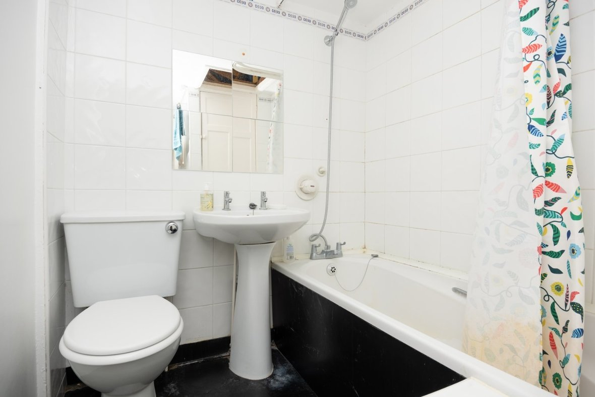 2 Bedroom House For Sale in Oster Street, St. Albans, Hertfordshire - View 13 - Collinson Hall