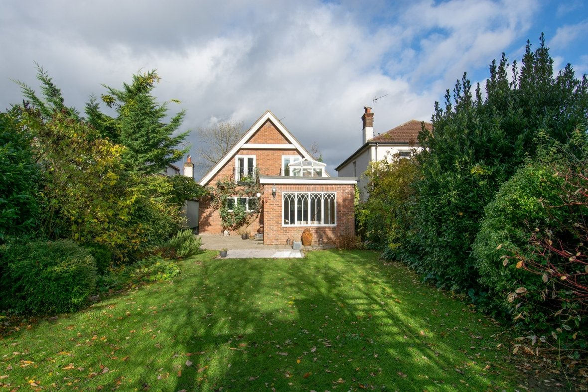 5 Bedroom House Sold Subject To Contract in Mount Pleasant Lane, Bricket Wood, St. Albans, Hertfordshire - View 12 - Collinson Hall