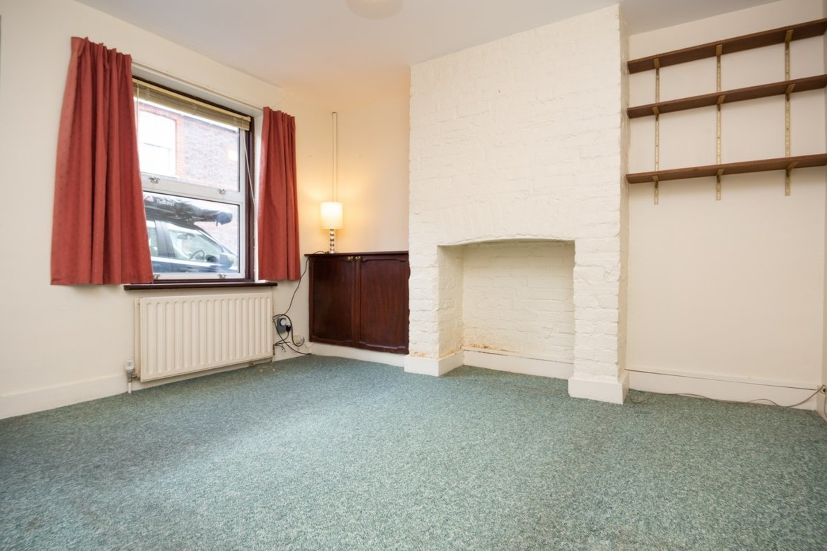 2 Bedroom House Sold Subject To Contract in Inkerman Road, St. Albans - View 5 - Collinson Hall