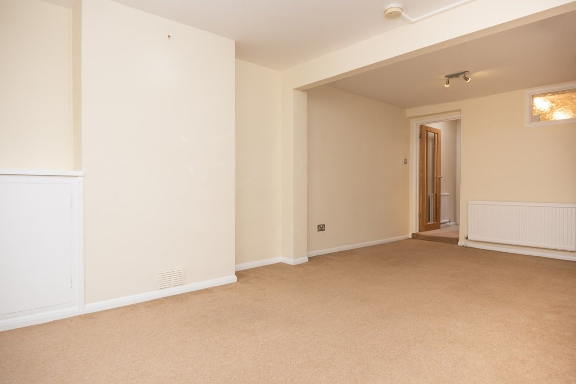 2 Bedroom House For Sale in Inkerman Road, St. Albans, Hertfordshire - View 4 - Collinson Hall