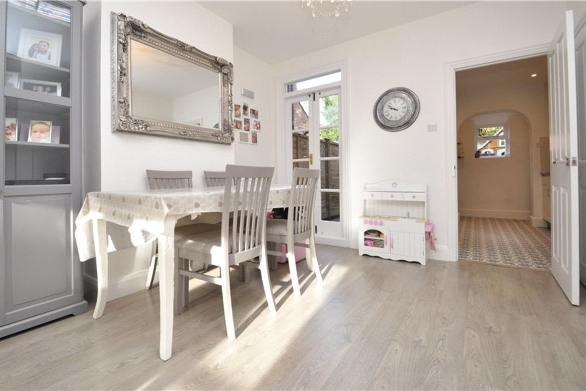 3 Bedrooms House For Sale in Kimberley Road, St. Albans, Hertfordshire - View 2 - Collinson Hall