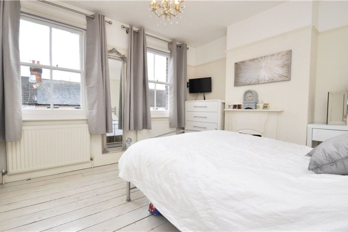 3 Bedrooms House For Sale in Kimberley Road, St. Albans, Hertfordshire - View 4 - Collinson Hall