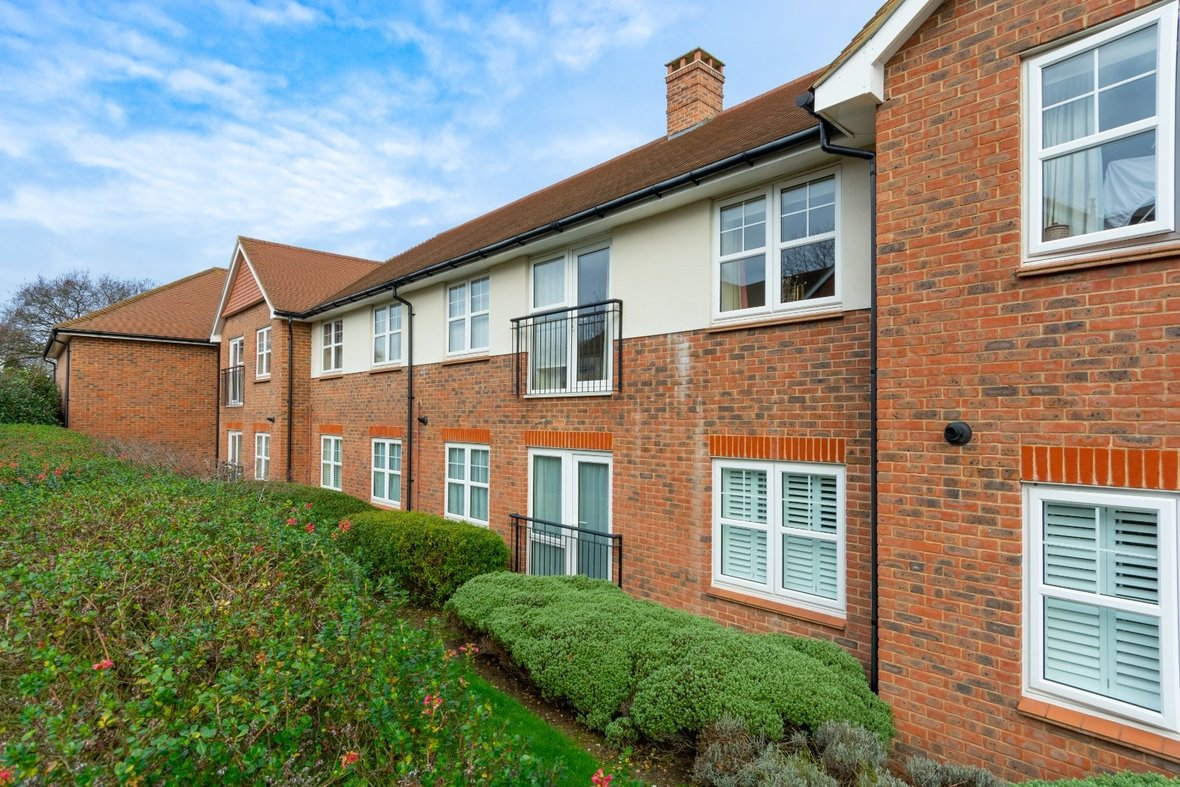 2 Bedroom Apartment Sold Subject To Contract in Wordsworth Close, Kings Park, St. Albans - View 22 - Collinson Hall