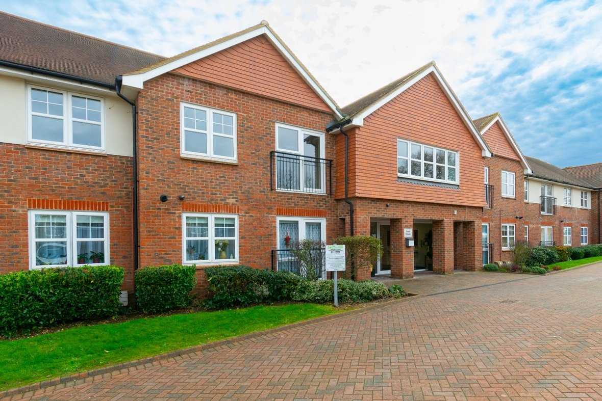 2 Bedroom Apartment Sold Subject To Contract in Wordsworth Close, Kings Park, St. Albans - View 20 - Collinson Hall