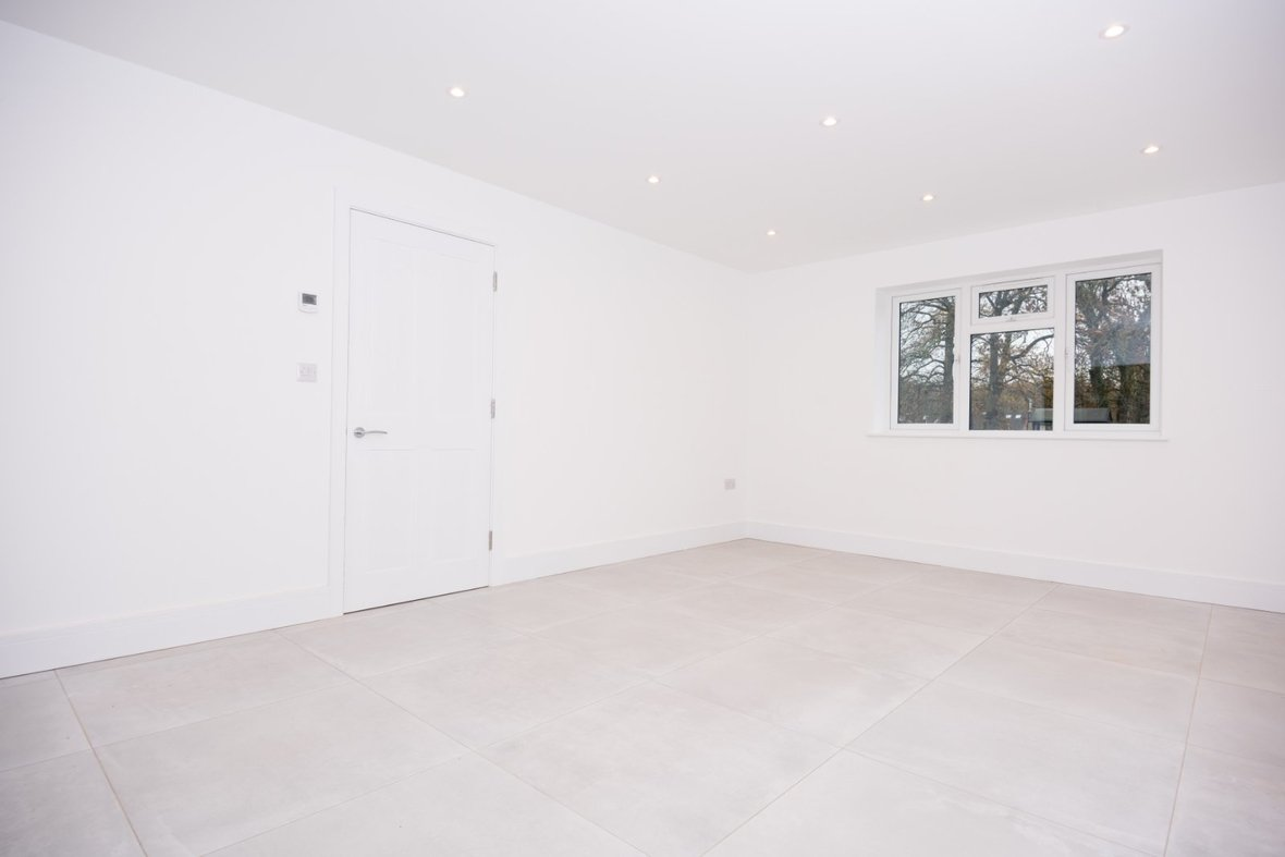 4 Bedroom House Sold Subject To Contract in Hunters Ride, Bricket Wood, St. Albans - View 6 - Collinson Hall