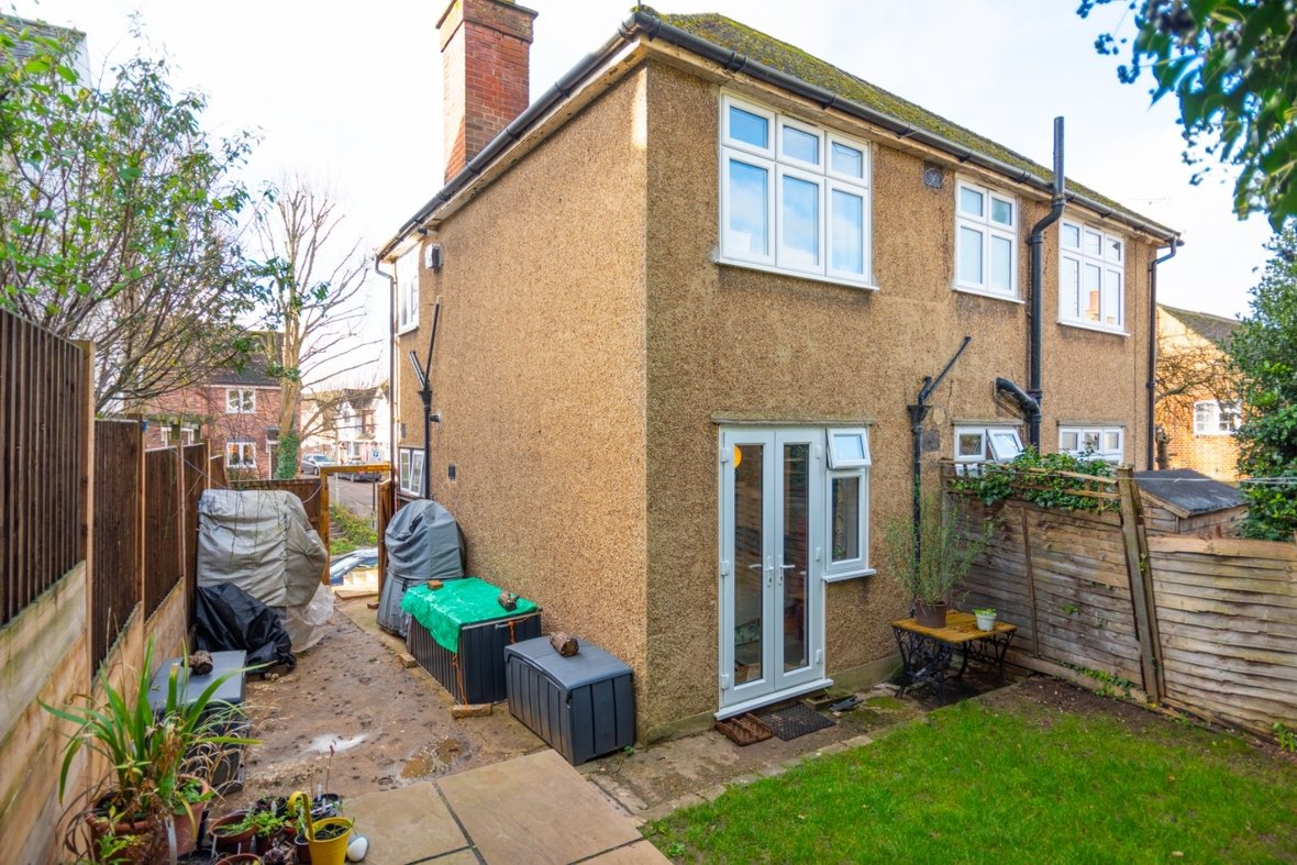 2 Bedroom Maisonette Sold Subject To Contract in Old London Road, St. Albans, Hertfordshire - View 17 - Collinson Hall