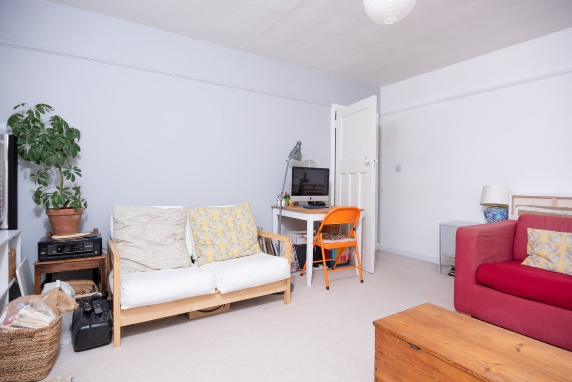 2 Bedroom Maisonette Sold Subject To Contract in Old London Road, St. Albans, Hertfordshire - View 3 - Collinson Hall